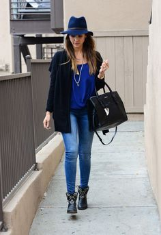 Jessica Alba Style - Her Best Street Style Outfits in Jeans: Shades of Blue