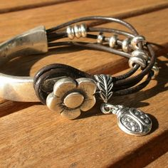 Flower bracelet,  women bracelet, women jewelry, leather bracelets, fashion jewelry,  ladybird bracelet