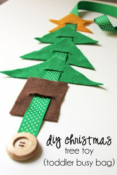 DIY christmas tree toy (for a toddler busy bag) – Christa M - LessBo Ideas Christmas Tree Toy, Preschool Christmas, Christmas Books, Christmas Activities, Kids Christmas, Christmas Ornaments, Xmas Trees, Toddler Busy Bags, Felt Bunny