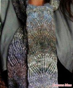 Двусторонний шарф из Noro. Хотя рельефный узор и похож на араны-рельефы-косы, но на самом деле это не так.