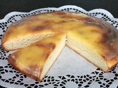 Murtener Nidelkuchen: use the link at the bottom to get to the recipe Some Recipe, Fabulous Foods, Sweet Recipes, Food And Drink, Yummy Food, Favorite Recipes, Sweets, Snacks, Gastronomia