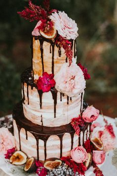 naked cake with chocolate drizzle