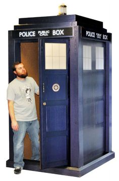 Doctor Who Life Sized 3D Cardboard Tardis / Standee
