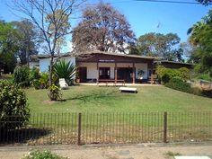 Casas com o nome da família na entrada, Holambra, SP..