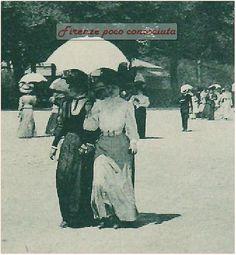 Signore e signorine col parasole e qualche uomo camminano alle Cascine, primi del '900. Parco delle Cascine #Firenze