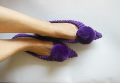 Pointed Toe Flats, Womens Slippers, Non Slip, Purple Witches shoes, Knitted, Crochet Slippers, Gift wrapped, Fur Pom Pom, Ready to Ship Those pointed toe slippers are made with a bulky high quality 25 % wool and 75% acrylic yarn, making them nice and cozy, incredibly comfy and soft, durable