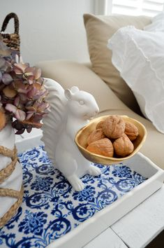 easy-fall-living-room-decorating-ideas-HomeGoods squirrel