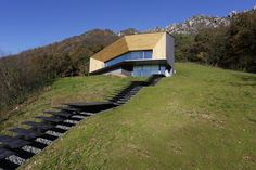 angular dwelling by camillo botticini architetto set into the italian alps
