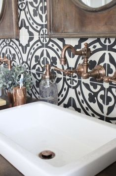 Stunning Black And White Bathroom Ideas 74