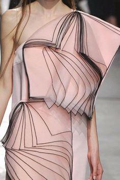 Ideas Fashion Design Details Christopher Kane For 2019 Space Fashion, 3d Fashion, Fashion Details, Couture Fashion, Runway Fashion, Fashion Show, Fashion Design, London Fashion, Hijab Fashion