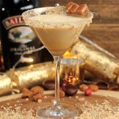Baileys Martini Recipe, Salted Caramel Martini, Baileys Drinks, Baileys Recipes, Alcoholic Drinks, Chocolate Martini, Chocolate Tarts, Salted Caramels, Baileys Cheesecake