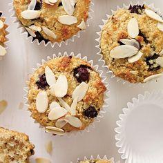 Muffins aux pommes et aux bleuets | Ricardo Dessert Weight Watchers, Muffins, Muffin Recipes, Biscuits, Deserts, Snacks, Breakfast, Healthy, Toot