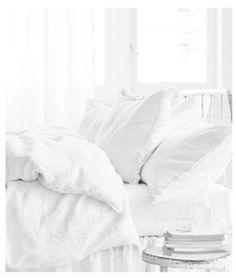 crispy white bedding