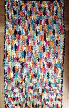 Moroccan vintage Boucherouite rug by bleuberberebleu on Etsy