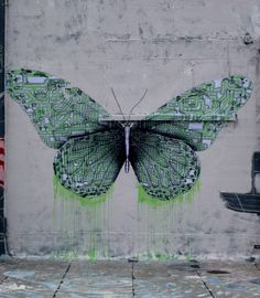 LUDO YES I CAN SEE THEMURAL AS A REASONABLY ATTAINABLE FEATURE TO A MODEST GARDEN THAT IS NOT A COOKIE CUTTER ONE ..BUTTERFLY PLANTINGS AROUNG A DRAWING OR WIRE ART BUTTERFLY WOULD BE SO INTRIGUING