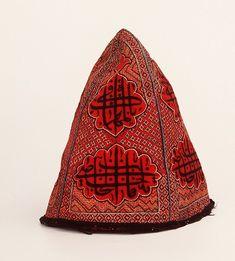 Iran, Headdress of a Sufi, Stichting National Museum van Wereldculturen, Netherlands Historical Hairstyles, Persian Motifs, Persian Culture, Islamic Calligraphy, Mens Caps, Cloth Bags, Tribal Jewelry, Historical Clothing, Headgear