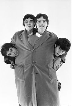 The Small Faces a popular English Mod band of the late Left to right Kenny Jones Ronnie Lane Steve Marriott and Ian McLaglan 60s Music, Music Icon, Ronnie Lane, Steve Marriott, Faces Band, The Ventures, Love Band, Thing 1, Music Images
