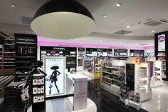 Aélia   Corner parfumerie, duty free, airport, merchandising parfums, travaux TCE   Groupe Lindera Restaurants, Dior, Chanel, Beauty Boutique, Liquor Cabinet, Retail, Glossier, Interior Design, Architecture