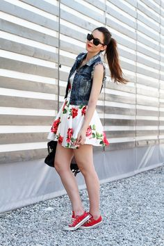 A casual chic outfit with red converse, a flower dress, a denim jilet and spektre sunglasses. And of course a Balenciaga bag!  Outfit the fashion blogger Irene's Closet www.ireneccloset.com