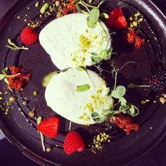 Wonderful #avokado #appetizer #pagalms #riga #latvia #restaurant #riika #ravintola thanks @_pagalms_