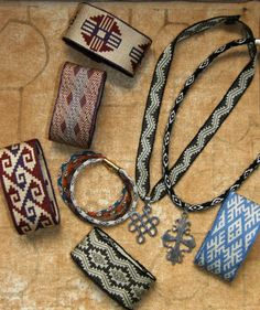 Some jewlery that I wove on my backstrap loom. The wrist cuffs and ribbon are… Inkle Weaving Patterns, Weaving Textiles, Inkle Loom, Card Weaving, Wool Art, Textile Jewelry, Color Shapes, Knit Crochet, Knitting