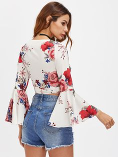 SheIn offers Random Florals Fluted Sleeve Tie Detail Wrap Top & more to fit your fashionable needs. Girl Fashion, Womens Fashion, Fashion Design, Style Fashion, Inspiration Mode, Floral Crop Tops, Wrap Blouse, White V Necks, Summer Tops