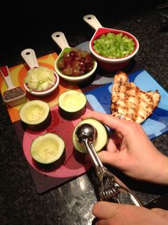 Cucumber Chicken Salad Boats - ONLY 10 Calories per boat! Diet Recipes, Chicken Recipes, Cooking Recipes, Healthy Recipes, Healthy Cooking, Healthy Snacks, Healthy Eating, Tapas, Good Food