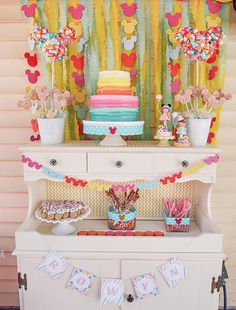 Cute & Colorful Minnie Mouse 2nd Birthday Party // Hostess with the Mostess®