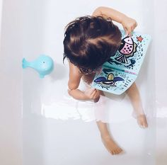 Color Me: Who's in the Ocean? Baby's First Bath Book