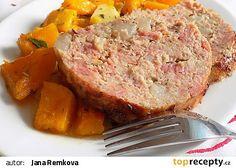Sekaná s uzeným masem, slaninou a s pečenou máslovou dýní recept - TopRecepty.cz Meatloaf, Treats, Food, Sweet Like Candy, Goodies, Essen, Meals, Sweets, Yemek