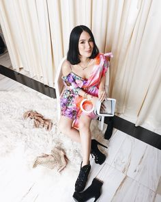 A colorful look for a colorful day. Heart Evangelista, Daily Fashion, Shoulder Dress, Asian, Day, Womens Fashion, People, Daily Style, Beauty
