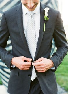 good lapels - except that the notch should be more horizontal