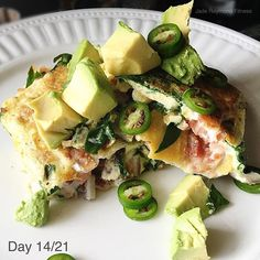 Breakfast for a late lunch is ok right? I dare you to make a meaner omelette than me!! This bad boy is filled with egg whites, spinach, bacon, avocado, jalapeños and onions! I love weekends when I have time to make food