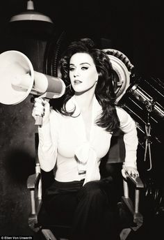 Glamour Katty Perry for GHD by Ellen von Unwerth. / #fashion #MaxiReporter