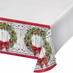 Rustic Wreath Plastic Tablecloth, 12 ct
