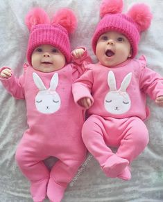 56 Ideas Baby Twins Stuff Pictures For 2019 Cute Baby Twins, Twin Baby Girls, Cute Little Baby, Baby Kind, Twin Babies, Little Babies, Baby Love, Twin Girls Outfits, Outfits Niños