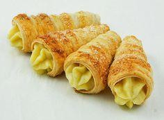 http://gracessweetlife.com/2011/01/cannoncini-alla-crema-pasticcera/ Cream Horns