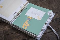 Baby Crafts, Crafts For Kids, Album Diy, Baby Life Hacks, Baby Journal, Scrapbooking, Baby Scrapbook, Memory Books, Creative Kids
