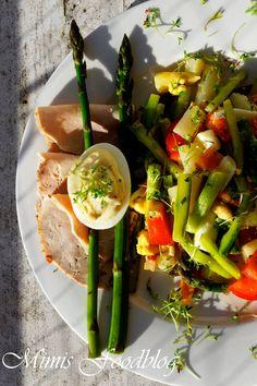 Spargelsalat mit gefülltem Ricotta-Ziegenkäse-Senf-Ei <3