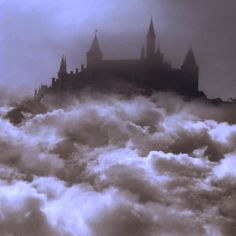 castle in the clouds possibly Hogwarts Hogwarts, Photo Chateau, Gellert Grindelwald, Charles Perrault, Famous Castles, Haunted Castles, Abandoned Castles, Dracula, Fantasy World