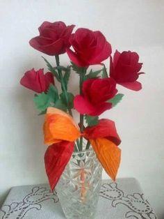 Como fazer um arranjo rosas com papel crepom passo a passo