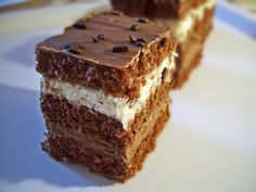 Prajitura cu nuci si ciocolata Cake with walnuts and chocolate Romanian Desserts, Romanian Food, Romanian Recipes, My Favorite Food, Favorite Recipes, Cake Recipes, Dessert Recipes, Walnut Cake, Hungarian Recipes