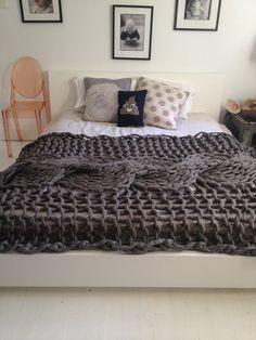 Amazing blanket by Jacqueline Fink of Little Dandelion... JFink -cable across bed.jpg