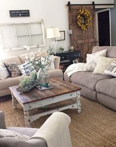Top Vintage Living Room Decor 67 For Your Small Home Decoration Ideas with Vintage Living Room Decor : Decor Ideas Farmhouse Family Rooms, Modern Farmhouse Living Room Decor, Chic Living Room, Living Room Modern, Living Room Designs, Rustic Farmhouse, Farmhouse Style, Country Style Living Room, Farmhouse Design