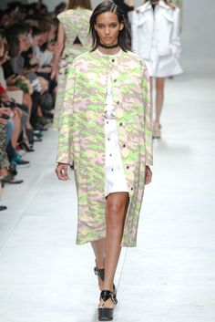 Carven Spring 2014 Ready-to-Wear Fashion Show - Cora Emmanuel (Elite)