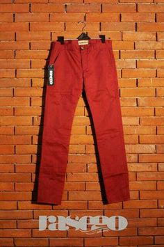 it's a maroon chino pants for unisex we made!! you can have the same color with your spouse. sweet...