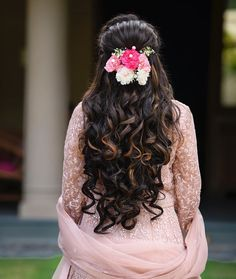 FLORAL DECORATION LOOK Makeover by 🎀 and the Unique blend salon team✨ Book your makeover with Aayushi patel call now on Photography Model Outfit Engagement Hairstyles, Unique Wedding Hairstyles, Indian Wedding Hairstyles, Long Hair Wedding Styles, Party Hairstyles, Bride Hairstyles, Bridal Hair Buns, Bridal Hairdo, Curly Hair Styles