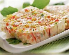 Terrine de thon légère aux légumes : http://www.fourchette-et-bikini.fr/recettes/recettes-minceur/terrine-de-thon-legere-aux-legumes.html