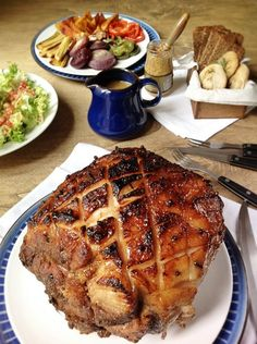Receta para Navidad: Jamón glaseado con miel Meat Recipes, Lunch Recipes, Mexican Food Recipes, Cooking Recipes, Christmas Buffet, How To Cook Pork, Yummy Food, Tasty, Xmas Food