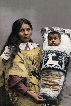 Milwaukee Ojibwe woman and baby in dikinaagan, courtesy of the Wisconsin Historical Society